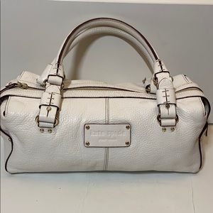 Kate Spade White Textured Leather Barrel B…